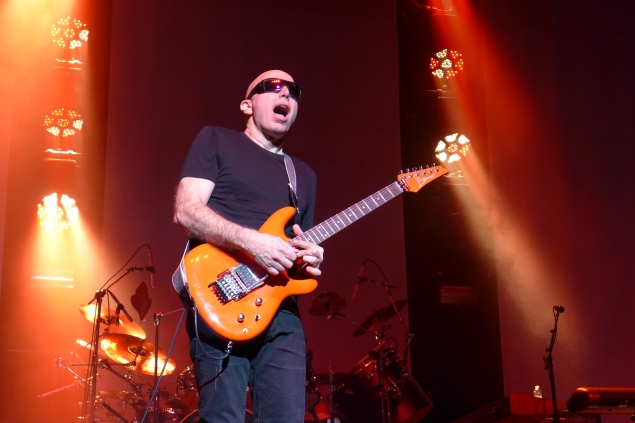 joe satriani from surfing to shockwave tour california rock news. Black Bedroom Furniture Sets. Home Design Ideas