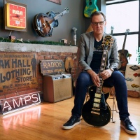 "Joe Bonamassa: New Epiphone Les Paul Custom ""Black Beauty"" Available Worldwide; New Album 'Royal Tea' Out October 23"